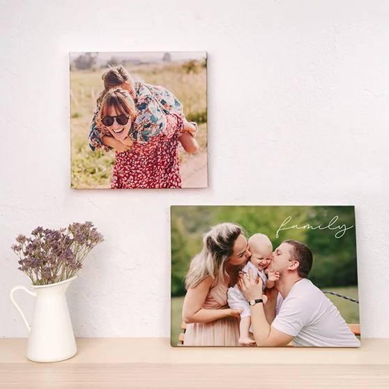 Une maison confortable ? Décorez les murs avec des photos et choisissez le bon éclairage